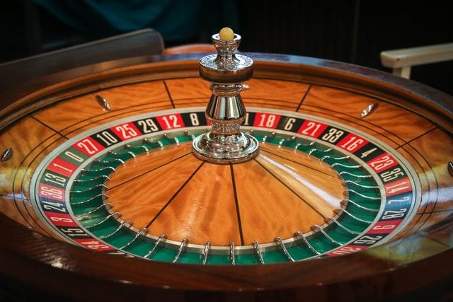 Live kasinot tarjoavat muun muassa rulettipelejä.